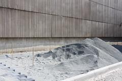 Grau in Grau, Frankfurt am Main 2015 (Spiegelneuronen) Tags: frankfurtammain beton bahnanlage adamriesestrase