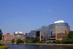 An der Spree in Berlin (ingrid eulenfan) Tags: germany berlin stadt city spree flus gebude architektur