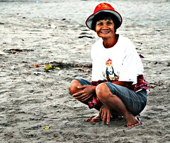 Woman by the Beach (diamonds_in_the_soles_of_her_shoes) Tags: woman beach zambales teampilipinas