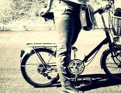 She rides a folder (Konakilo) Tags: bw blancoynegro foldingbike folder biciplegable klapprad