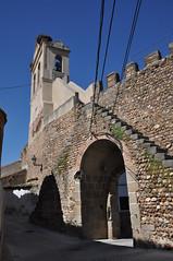 Galisteo (Cceres). Puertra de la muralla y campanario iglesia de la Asuncin (santi abella) Tags: galisteo cceres extremadura espaa murallas