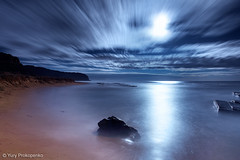 Night on the beach (renatonovi1) Tags: night moon moonrise beach sea ocean light reflection longexposure clouds motion sky nature seascape landscape turimetta sydney nsw australia