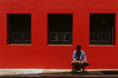 Red Wall. (biyabo) Tags: sonya7 sel28f20 vsco vscoe street