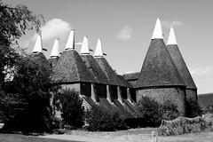 Sissinghurst Oast House (confused gem) Tags: sissinghurstcastlegarden oasthouse monochrome blackwhite kent nationaltrust canon760d canonefs18135mmf3556isstm