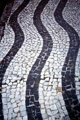 2003-03-24 Rio de Janeiro 29 (MicdeF) Tags: brasile brazil dia diapositiva marciapiede pavimento riodejaneiro scan scansione slide urca geo:lat=2295437800 geo:lon=4316758810 geotagged