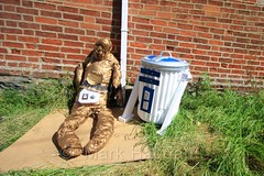 Attack of the Crownes at the Heather Scarecrow Festival 2016 (MarkHaggan) Tags: heatherscarecrowfestival2016 heatherscarecrowfestival heather scarecrow festival 2016 leicestershire fete village attackofthecrownes c3po r2d2