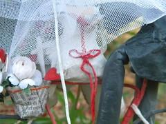 Omnia&Elio -Le Cartarughe- (Cartarughe) Tags: wedding red white rosso bianco matrimonio sposa cartapesta sughero