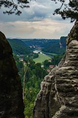 Gamrig06 (FotoCaching) Tags: gamrig schsische schweiz hiking wandern ausblick outdoor landscape landschaft nature natur sony alpha 6000 elbsandsteingebirge hgel abhang berg bergkamm fotocaching elbe rathen felsen mountain