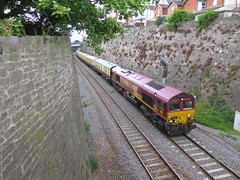 Cutting it fine (Stapleton Road) Tags: class66 torbayexpress train locomotive railtour teignmouth cutting
