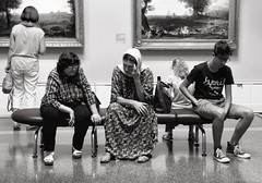 Break at Puškin Museum (acid_nam) Tags: panchina benche blancetnoir biancoenero blackandwhite bnw bn puskinmuseum stanco tired russia mockba mosca break pausa museo puškin puskin museum