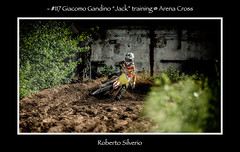 fb117SP270659 (Roberto Silverio) Tags: cross action dust olympuscamera zuikolens opensport robertosilveriophto sun suzuky love sporttherapy motocrossterapy arenacross