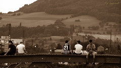 """hanging out on the """"Wiwili"""" bridge (Gilson Topfstedt) Tags: astoundingimage"""
