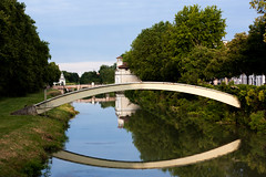 Occhio! (Livietta) Tags: padova padua veneto ponte bridge fiume river occhio eye riflessi reflection