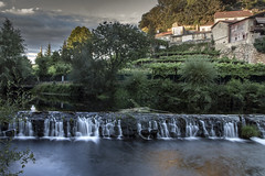 (21/62) Looking for a home, part 1: Rural (ponzoosa) Tags: allariz ourense ro river cascades rural relative nomadism