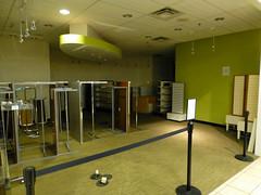 Closed Photo Studio (Nicholas Eckhart) Tags: columbus ohio usa retail america us oh stores eastland 2015 eastlandmall