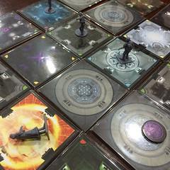 Room 25 - เกมโกหกกลั่นแกล้งแสร้งเนียน ฆ่าเพื่อนอย่างโหดร้ายหลากหลายวิธีที่สนุกมากและใช้เวลาเพียง 30-40 นาทีก็จบ มีหลายโหมดแต่ที่สนุกที่สุดคือ Suspicion Mode เพราะแบ่งผู้เล่นออกเป็นสองฝ่ายคือนักโทษกับผู้คุม แต่ไม่มีใครรู้บทบาทของคนอื่น มารู้เอาก็ตอนที่กำลั