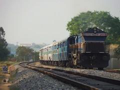 Tippu Exp. (B V Ashok) Tags: express mysore mys superfast swr emd kjm tippu 12614 mngt bangaloremysore 40018 wdp4b sbcmys
