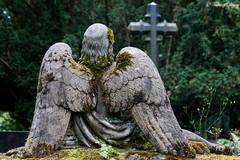 Saarlouis, Alter Friedhof (Sven Kapunkt) Tags: friedhof cemeteries cemetery statue angel engel saarlouis friedhofe