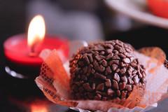 (Tai Chaves) Tags: artesanal romance gourmet vela festa aniversário doce brigadeiro romântico cozinhaartesanal