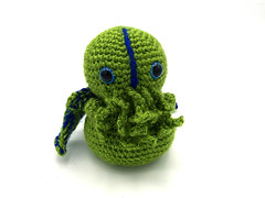 Little Cthulhu (FotodioxPro) Tags: etsy productphotography knit craft ledlight studiolighting fotodiox fotodioxpro portablelighting studioinabox whitebackground cthulhu hplovecraft lovecraftian iphone6s cute toy eldergods