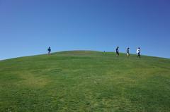 Green hill (panfriedcharlie) Tags: seattle gasworkspark grass sky greenhill windowsdesktop