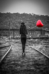 Liza Filippo (Marcos Simanovic) Tags: monocromtico blackandwhite anafilippo lizafilippo simanovic paranapiacaba brasil ballet bailarina bailarinos bailarinas ballerina balllerinas bailar dance dancer red