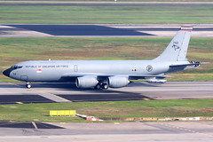 Republic of Singapore Air Force | Boeing KC-135R | 752 | Singapore Changi (Dennis HKG) Tags: rsaf singapore airforce kc135 boeingkc135 707 boeing707 aircraft airplane airport plane planespotting changi wsss sin 752 canon 7d 100400 tanker