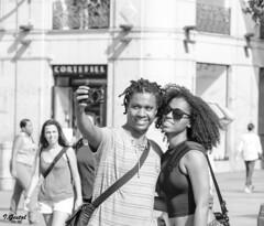 Almas extraas (Eibar010) Tags: candid d7000 madrid nikon nikond7000 street streetphoto monochrome blackandwhite blancoynegro portrait streetportrait 85mm