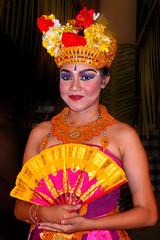 Paradise Lady (TablinumCarlson) Tags: indonesia indonesien bali leica dlux 6 asia asien legian denpasar woman girl frau dame tänzerin dancer fan fächer colours colors fraben barong tanz ramayana sita kuta beautiful