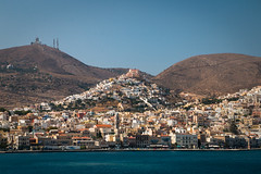 Ano Syros (Jamani Caillet) Tags: red greece ermoupoli hermoupolis cyclades hellas grce greek island islands city sea aegean mer ege voyage travel paysage ville colline typique t summer