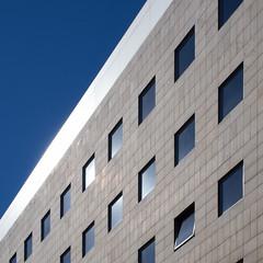 blinding (Cosimo Matteini) Tags: cosimomatteini ep5 olympus pen m43 mft mzuiko1442mm bilbao palaciodejusticia architecture blinding
