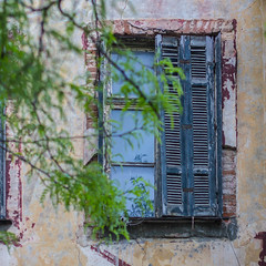 Half .... (Simos1968) Tags: old abandoned window canon xanthi simos1968