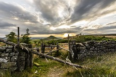 Gate to the Golden Hil (Wagner_Photographic) Tags: roseberry roseberrytoppingnationaltrustnorthyorkshireteesside roseberrytopping topping hill country countryside gate trees branches grass field sun sunset clouds northeast northyorkshire moors woods woodland wagnerphotographic white wild rot decay teesside trending tree tokina tees twilight trails uk time yorkshire nym ultra international illumination old picoftheday photography pano polaris z cloudporn coast river nikon d7200 crop sensor 1116mm handhald greatbritain goldenhour planning village buildings nature manualexposure nice work
