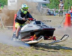 drag005 (minitmoog) Tags: dragrace grass dragracing sleds snowmobiles skoter veteran vintage lycksele