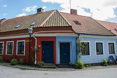 Red and blue (nillamaria) Tags: ystad skne