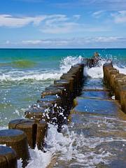 Splash! - Ostsee-Buhne (mikehaui60) Tags: olypusomdem1 omd em1 mft ostsee buhne fischland ahrenshoop mv mecklenburgvorpommern