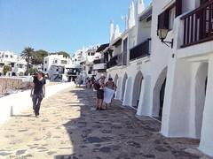 2150  Binibeca, Menorca (Ricard Gabarrs) Tags: binibeca pueblo calle calles villa aldea ricardgabarrus casa casas ricgaba olympus