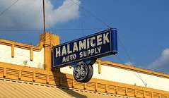 Halamicek Auto Supply (Rob Sneed) Tags: texas gonzales halamicekautosupply autosupply auto supply sign neon vintage americana texana advertising smalltown ge generalelectric gonzalescounty retail car parts logo trademark independent