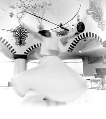 Derviches Giróvagos, Whirling Dervishes (II) (orozco-fotos) Tags: turkey tokina1224 sema orozco sama cappadocia konya turquía kapadokya capadocia whirlingdervishes dervichesgiróvagos tükiye nikond90 sigma18250 corozco orozcofotos dervişevi