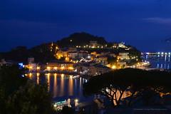 L'ora blu alla Baia del Silenzio - Sestri Levante (G.hostbuster (Gigi)) Tags: sea reflections bluehour ghostbuster sestrilevante gigi49 baiadelsilenzo