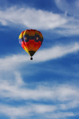 balloon in Z clouds (johngpt) Tags: clouds hotairballoon hotairballoons cirrostratus ef70200mmf28lisusm canon40d
