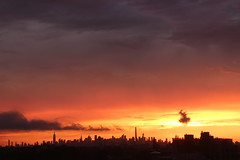 2016July25 (7) (ShellyS) Tags: sunset sunsets skyline skylines nyc newyorkcity manhattan queens sky clouds