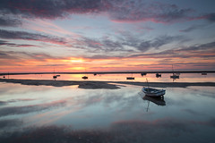 Meols boats - 290816 (simonknightphotography) Tags: meols mersey merseyside cheshire wirral boats fishing sunset clouds sea ocean sailing